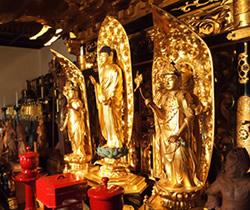 興岳寺本堂の仏像